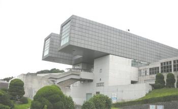 famous-architecture-fukuoka9.jpg